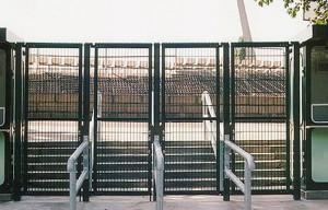 3 Stadion-Eingang